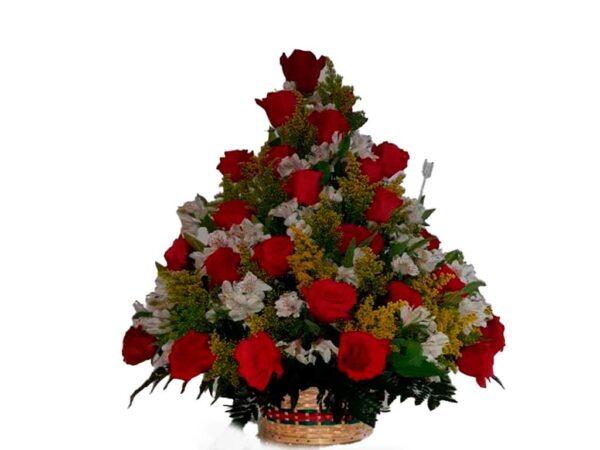 ramo floral con rosas preservadas
