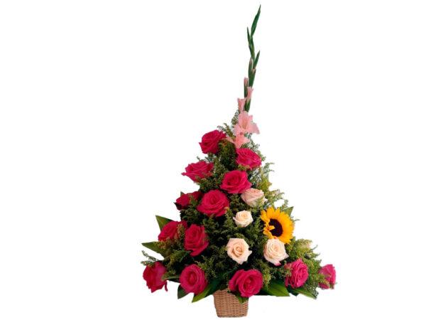 Ramo con rosas rojas preservadas